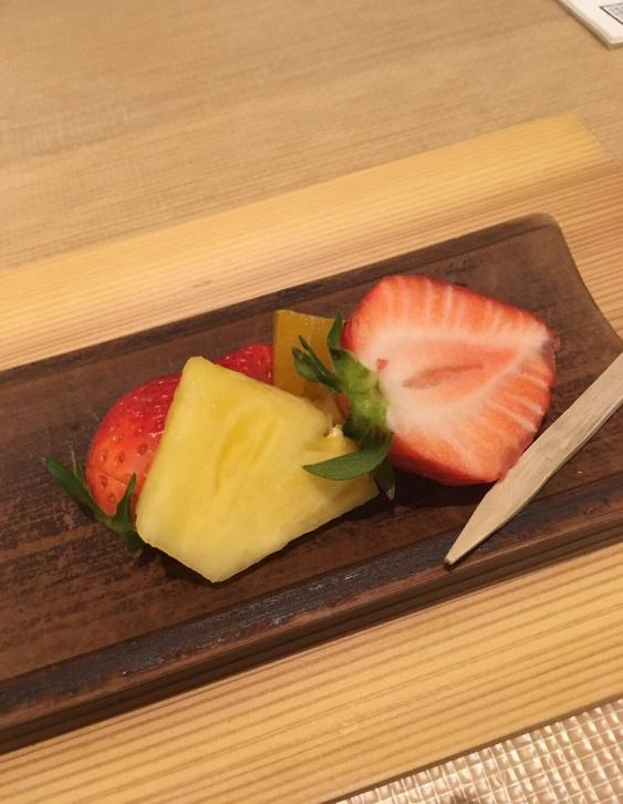 甘味:フルーツ盛り合わせ